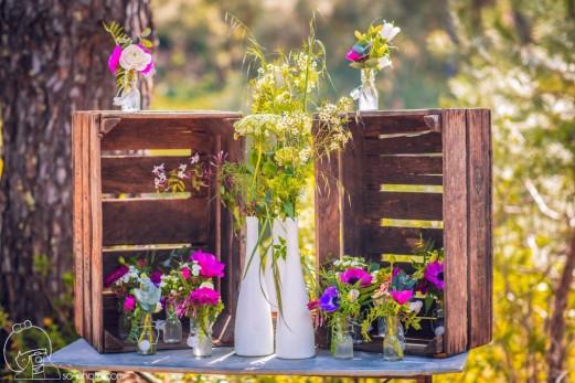 caisses-en-bois-pour-décoration-table-cadeau-dinvité-1024x683